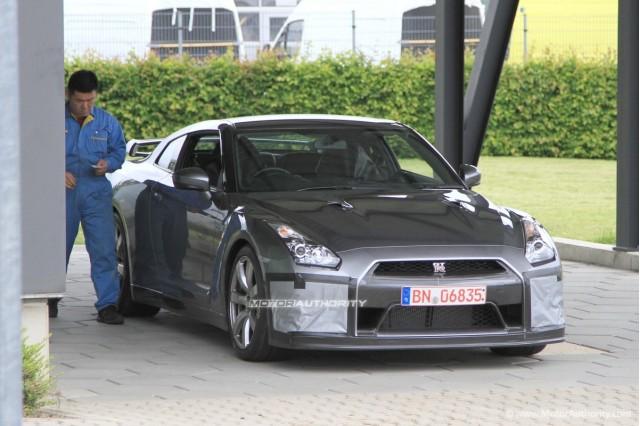 2011 Nissan GT-R SpecM spy shots