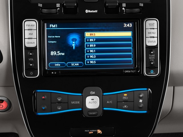 2011 Nissan Leaf 4-door HB SL Audio System