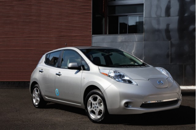 2012 Nissan Leaf Gets Ready For Winter Gets More Heating