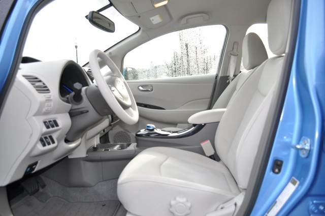 Want To Keep Your 2012 Nissan Leaf Clean Inside Heres How