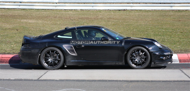 Clear differences between the 998 and the current 997 models are the more upright headlights and slightly longer body