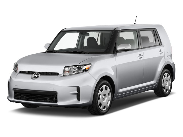 2011 Scion xB 5dr Wagon Auto (GS) Angular Front Exterior View