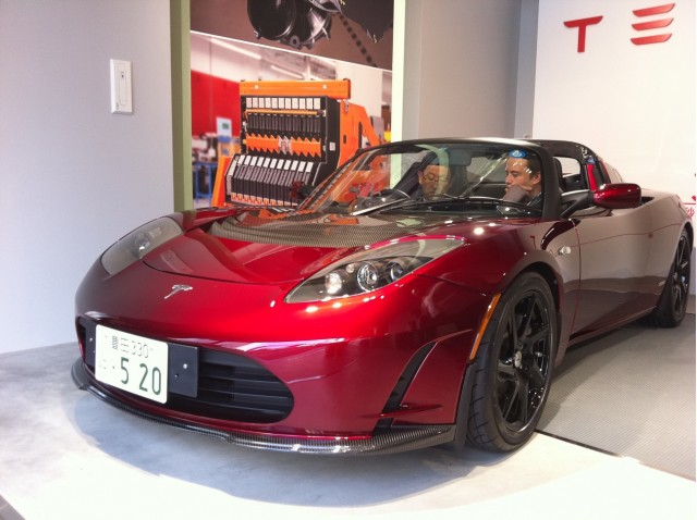 Elon Musk Shows Akio Toyoda 2017 Tesla Roadster Sport 2 5
