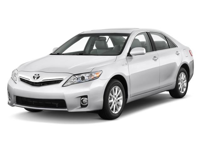 2011 Toyota Camry Hybrid 4-door Sedan (Natl) Angular Front Exterior View