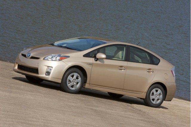 Toyota Prius Battery >> The Ultimate Guide: Toyota Prius Battery Life, Cost, and Warranty