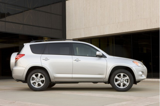 2011 toyota rav4 recalled for airbag flaw. Black Bedroom Furniture Sets. Home Design Ideas