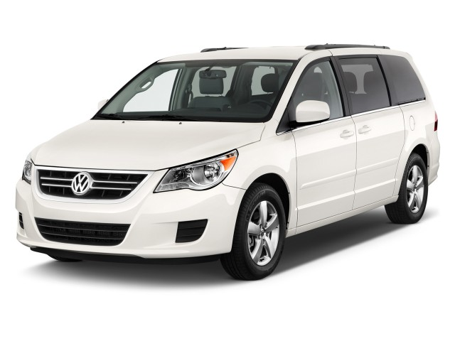 2011 Volkswagen Routan 4-door Wagon SE Angular Front Exterior View