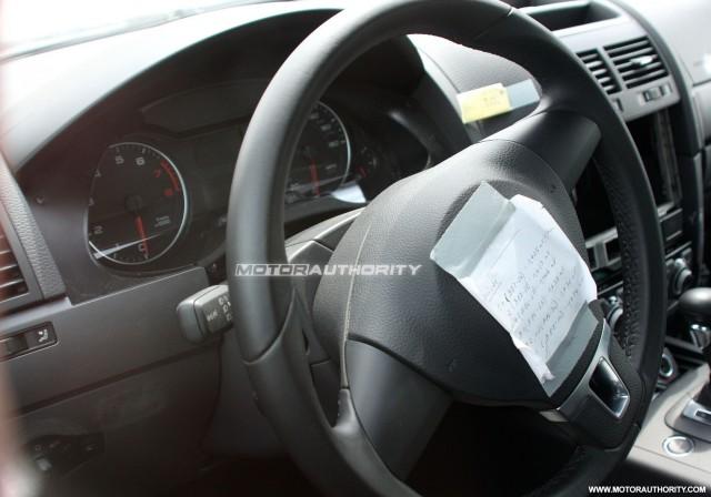 2011 volkswagen touareg test mule spy shots may 008