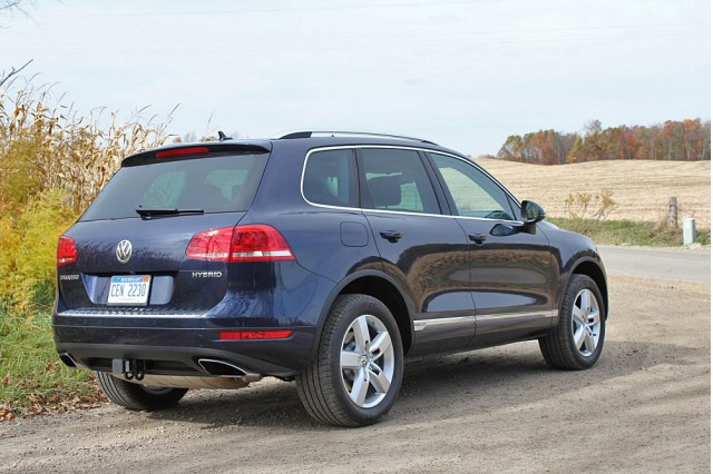 another defunct hybrid 2016 volkswagen touareg suv loses. Black Bedroom Furniture Sets. Home Design Ideas