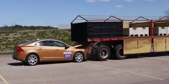 2011 Volvo S60 crashes after collision avoidance system fails