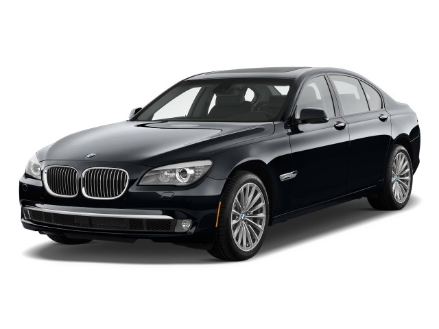 2012 BMW 7-Series 4-door Sedan 750i RWD Angular Front Exterior View