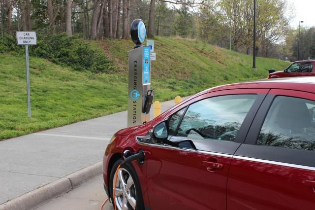 2017 Chevrolet Volt Charges
