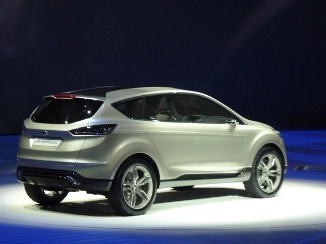 why ford would be crazy to kill the escape hybrid real awd. Black Bedroom Furniture Sets. Home Design Ideas