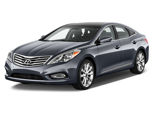 2012 Hyundai Azera 4-door Sedan Angular Front Exterior View
