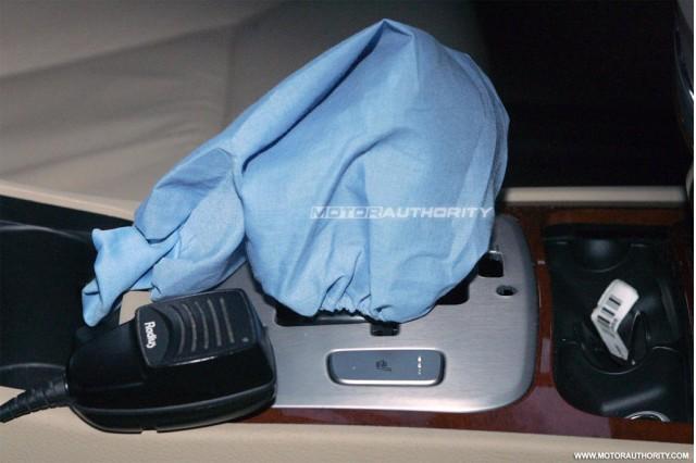 2012 Hyundai Genesis Sedan facelift spy shots