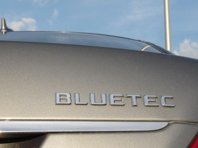 2012 Mercedes-Benz S 350 BlueTEC 4Matic, road test, June 2012