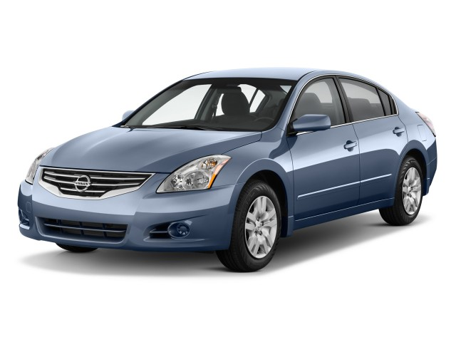 2012 Nissan Altima 4-door Sedan I4 CVT 2.5 S Angular Front Exterior View