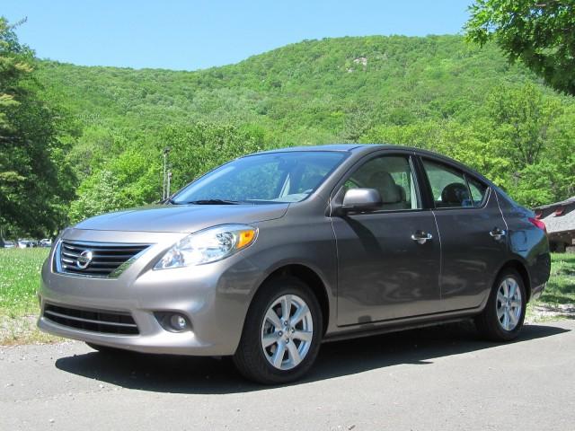 2012 Nissan Versa 1.6 SL, Bear Mountain, NY, May 2012