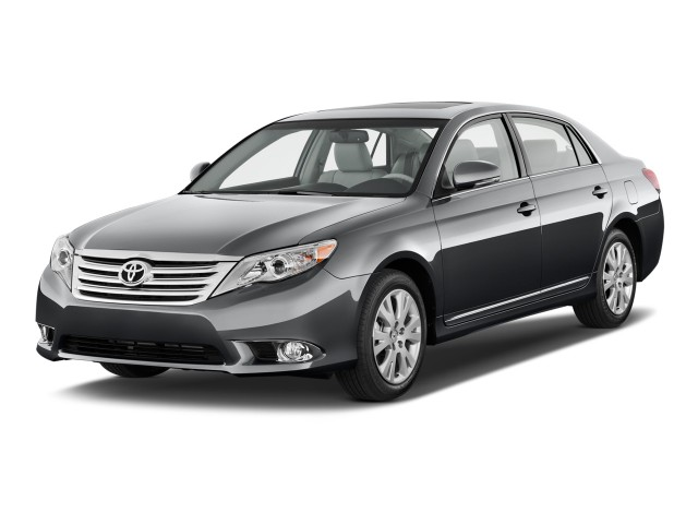 2012 Toyota Avalon 4-door Sedan (Natl) Angular Front Exterior View