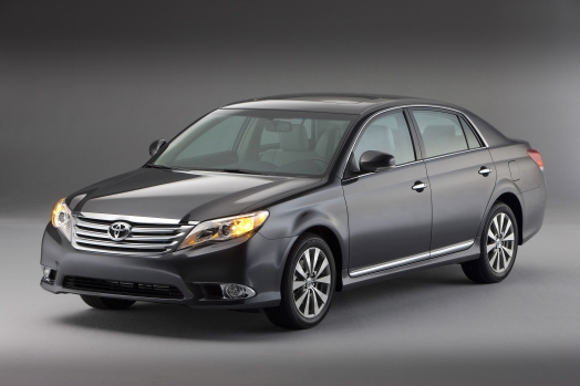 19,400 2012 Toyota Avalons recalled over faulty seat belt