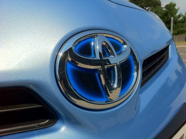 Toyota Electric Car To Use Solid State Batteries Updated Report