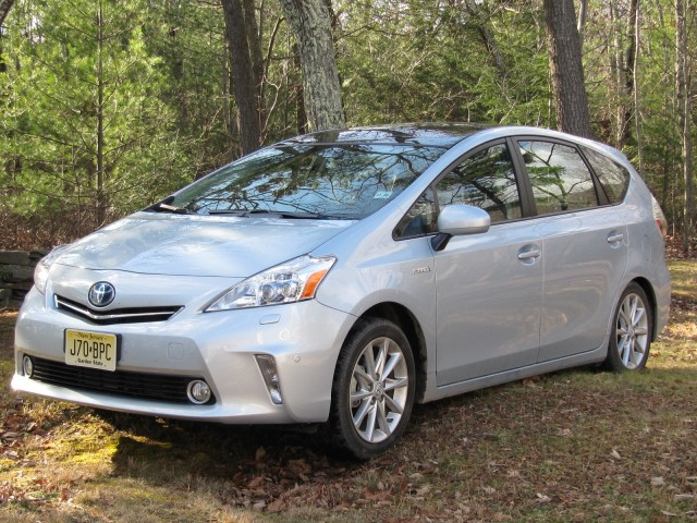 2012 Toyota Prius V hybrid wagon, test drive in Catskill Mountains, Jan 2012