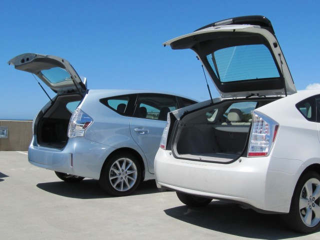 2012 toyota prius v wagon hybrid success more to be built. Black Bedroom Furniture Sets. Home Design Ideas