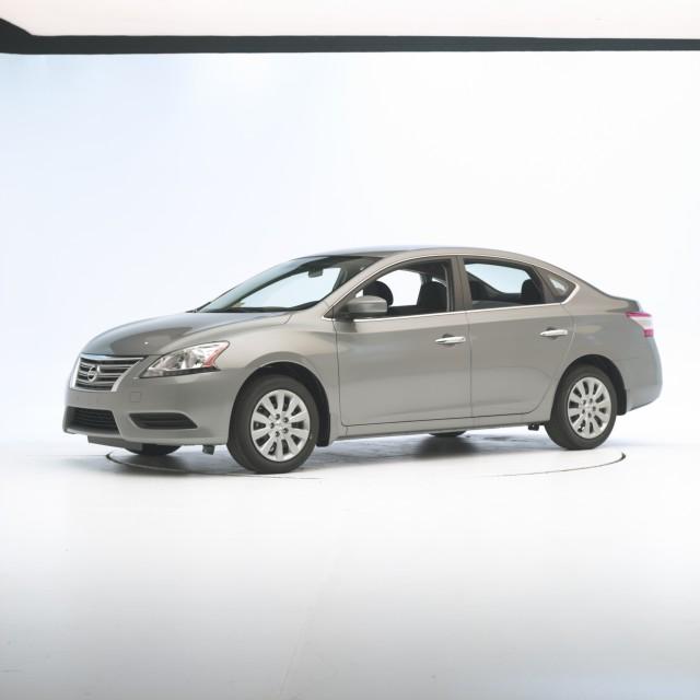 2013-14 Nissan Sentra - IIHS testing