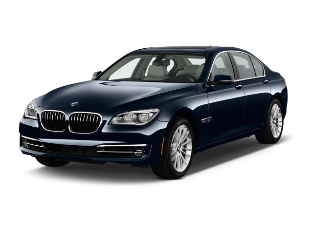 2013 BMW 7-Series 4-door Sedan 750i RWD Angular Front Exterior View