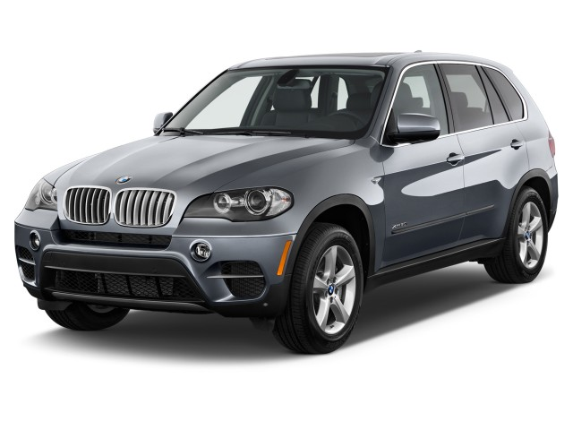 2013 BMW X5 AWD 4-door 50i Angular Front Exterior View