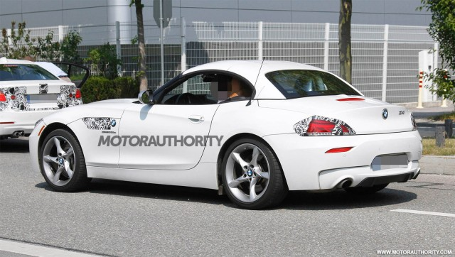 2013 BMW Z4 facelift spy shots