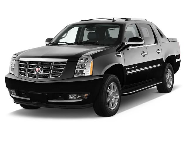2013 Cadillac Escalade EXT AWD 4-door Base Angular Front Exterior View