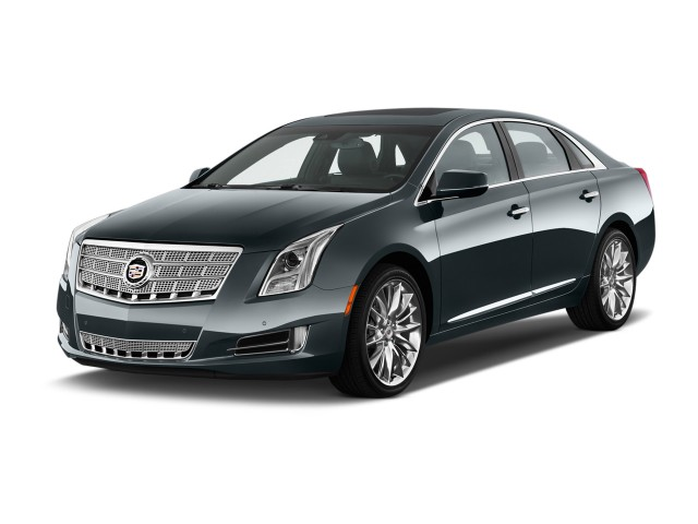 2013 Cadillac XTS 4-door Sedan Platinum FWD Angular Front Exterior View