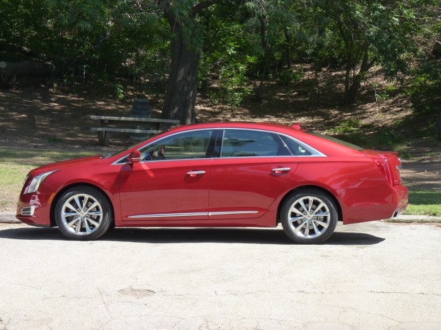 2013 cadillac xts first drive review. Black Bedroom Furniture Sets. Home Design Ideas
