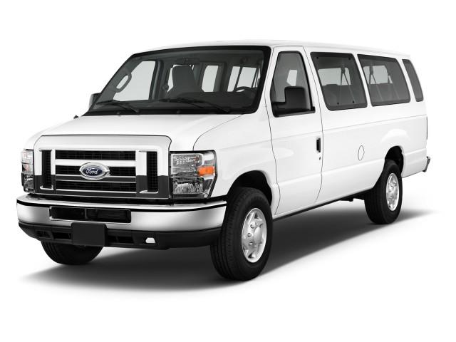 2013 Ford Econoline Wagon E-350 Super Duty XL Angular Front Exterior View