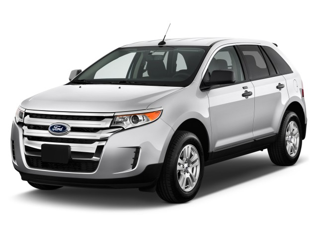 2013 Ford Edge 4-door SE FWD Angular Front Exterior View