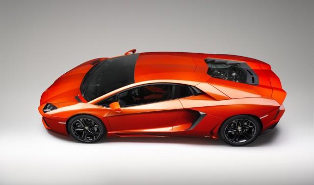 Lamborghini aventador width