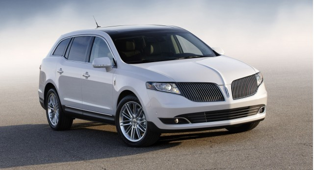 2017 Lincoln Mkt Town Car To Get 2 0 Liter Ecoboost Engine For Fleets Only