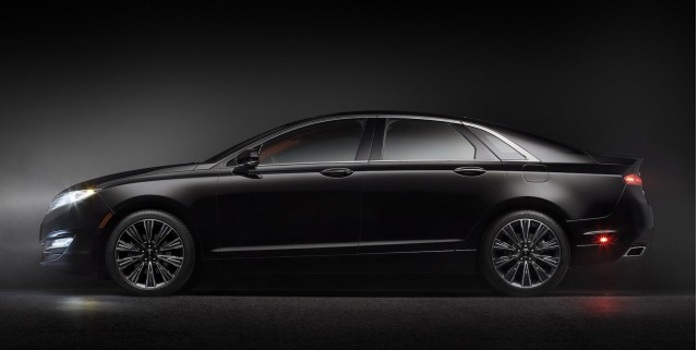 2013 Lincoln MKZ Black Label Center Stage