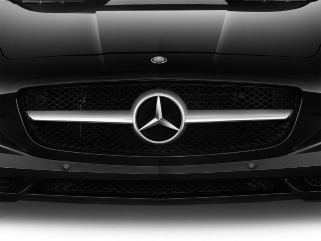 Grille - 2013 Mercedes-Benz SLS AMG GT 2-door Coupe SLS AMG GT