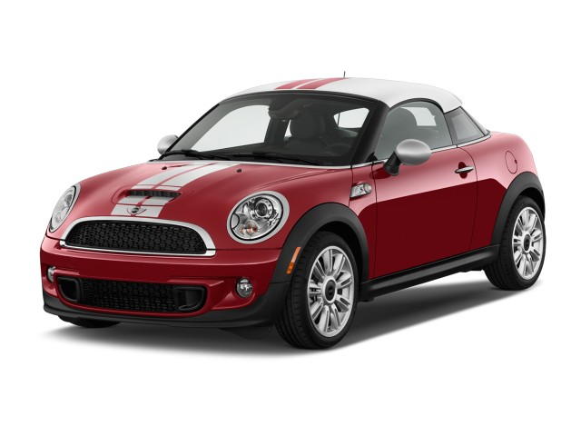 2013 MINI Cooper Coupe 2-door S Angular Front Exterior View