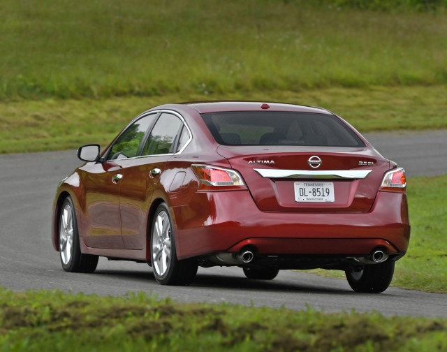 2013 nissan altima recalled for spare tire defect. Black Bedroom Furniture Sets. Home Design Ideas