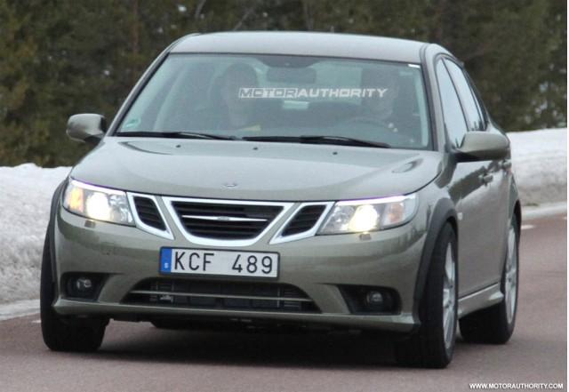 2013 Saab 9-3 test-mule spy shots