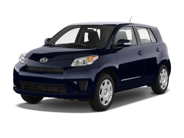 2013 Scion xD 5dr HB Man (Natl) Angular Front Exterior View
