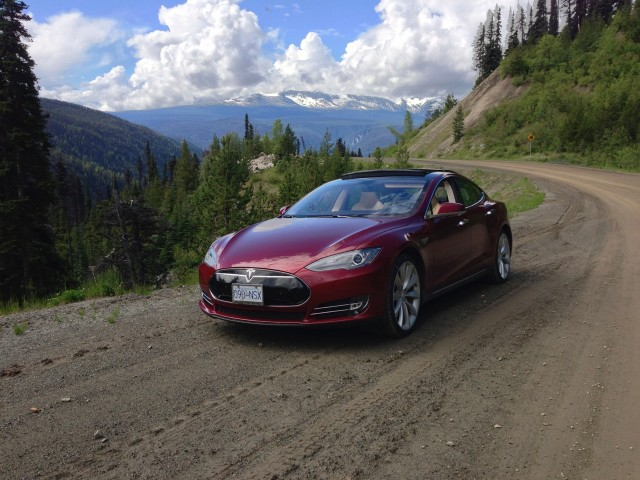 Tesla recalling Model S sedans for power-steering fix