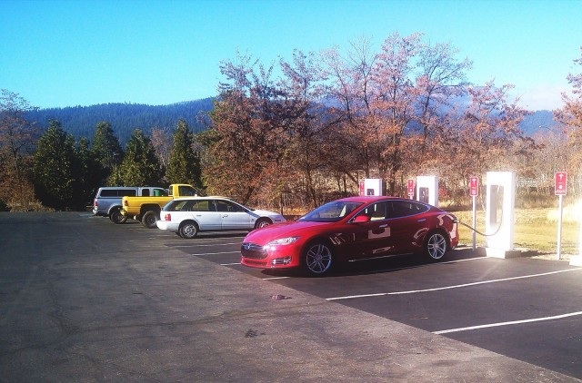 2013 Tesla Model S in Mount Shasta, California, Nov 2013 [photo: George Parrott]
