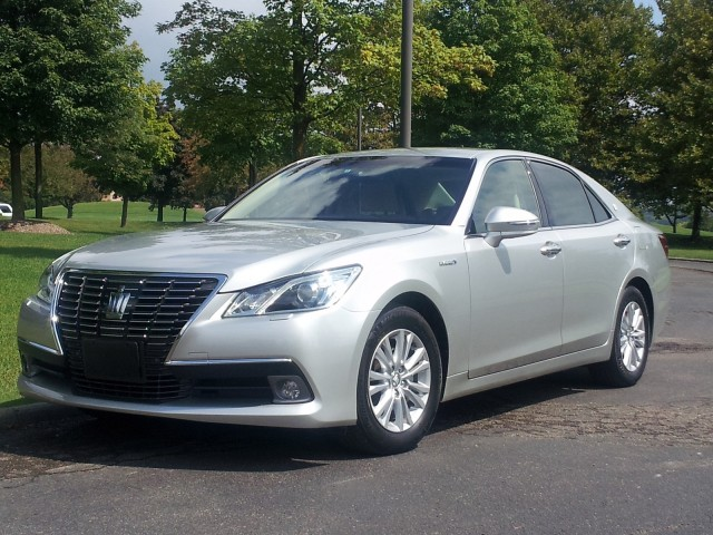 Toyota Crown Royal Saloon Driving The Hybrid Brougham Luxury Sedan