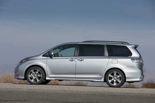 2013 Toyota Sienna To Drop Four Cylinder Model