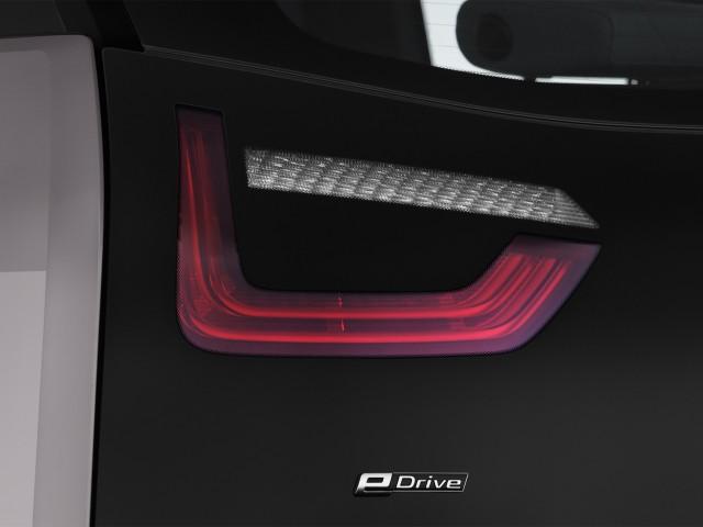 2014 BMW i3 4-door HB Tail Light