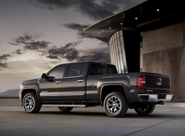 2014 gmc sierra chevy silverado prices from about 25 000 23 mpg epa highway. Black Bedroom Furniture Sets. Home Design Ideas